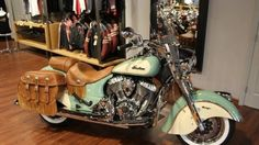 Wild+Vintage+Indian+Chief+Motorcycle+WOWS+At+2016+Auto+Expo!+-+The+2016+Auto+Expo+featured+several+gorgeous+classic+cars+and+motorcycles.+In+this+video+we+check+out