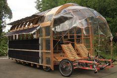 The 8rad is the biggest cargo bike in the world. 5 meters long, 2 meters wide and supported by 8 wheels! We talk with the creator of the 8rad, Nico Jungel