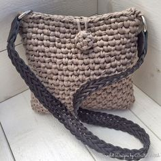 Crochet Purse Patterns, Crochet Clutch, Crochet Fabric, Crochet Purses, Knit Crochet, Crochet Bags, Knitted Bags, Crochet Fashion, Crochet Accessories