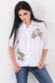 Detayları Göster Kuş Çiçek Nakışlı Beyaz Gömlek