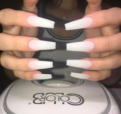 Here are some hot nail art designs that you will definitely love and you can make your own. You'll be in love with your nails on a daily basis. Aycrlic Nails, Matte Nails, Coffin Nails, Hair And Nails, Nails 2018, Manicures, Gorgeous Nails, Pretty Nails, French Nails Glitter