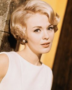 September hair on pinterest 1950s hairstyles short - Salon jean louis david ...
