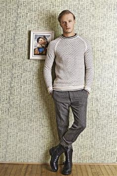 Ravelry: Islender genser pattern by Sandnes Design Men Dress Up, Icelandic Sweaters, How To Purl Knit, Knitting Designs, Knitting Patterns, Sweater Weather, Knit Crochet, Vintage Outfits, Vintage Clothing
