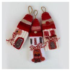 мАРТЕНИЦИ - Google Търсене Christmas Decorations, Christmas Ornaments, Holiday Decor, Christmas Décor, Baba Marta, Christmas Origami, Felt Dolls, Kids And Parenting, Christmas Stockings
