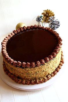 Tort de ciocolata cu mousse de ciocolata – Revelion 2010 | Laura Adamache Retete culinare