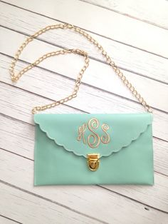 Great for Graduation gifts, Ideal bag for Monogramming Super color choices and Even better price. Material:Pu Leather Detailed Size: 29cm(Length)×19cm(Height)×0.5cm(Thickness),With Long Chain Lining: