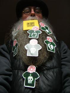 BEARD GALLERY - Opere di Pier Roberto Bassi installate sulla mia barba (Galleria Pensile)