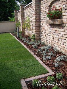 Urban Garden Design, Modern Fence Design, Porch Garden, Side Garden, Brick Wall Gardens, Stone Wall Design, Green House Design, Brick Fence, Smart Garden