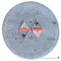 Neon coral orange and silver triangle earrings - Macrame / miyuki delica seed beads weaving.  © Natacha Fayard  #neon #coral #orange #silver #SilverPlated #triangle #earrings #dangle #woven #weaving #miyuki #delica #macrame #jewelry
