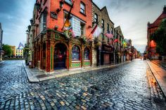"Temple Bar, Dublin ""Unlike the areas surrounding it, Temple Bar has preserved its medieval street pattern, with many narrow cobbled streets"""