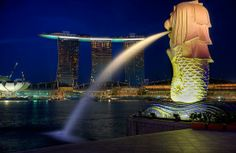 marlion statue - singapore