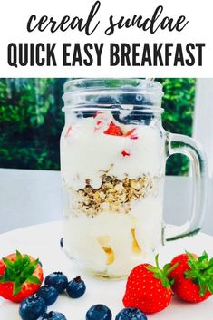 Super easy healthy kids breakfast recipe - layer up a delicious fruity cereal sundae for the kids to grab and go | kids breakfast | healthy breakfast recipes | healthy breakfast ideas