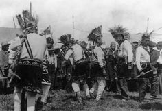 Native North American Indian - Old Photos Native American Photos, Native American Tribes, Native American History, Blackfoot Indian, Dancing In The Rain, First Nations, Old Photos, Image, Native Place