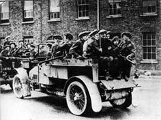 Ireland's unrest: British soldiers on trucks in a Dublin street: [press photograph] / Agence Meurisse Ireland 1916, Dublin Ireland, Irish Independence, Dublin Street, Easter Rising, Semitic Languages, Scotland History, Vintage Dance, Blue Green Eyes
