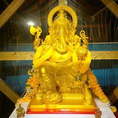 【効果絶大】宝くじが当たるかも!超強力金運アップの待ち受け画像! Lord Ganesha, Lion Sculpture, Statue, Phoenix, Dragon, Nice, Happy, Autos, Dragons