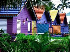 fachadas casas de praia coloridas luxo brasil - Pesquisa Google