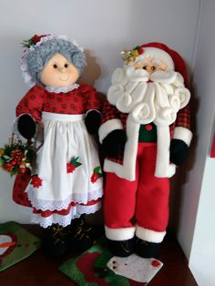 Christmas Elf Doll, Christmas Storage, Primitive Christmas, Country Christmas, Christmas Diy, Christmas Ornaments, Felt Christmas Decorations, Holiday Centerpieces, Christmas Tree Toppers