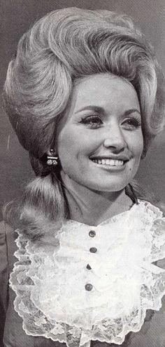 Dolly Parton pretty hair and gorgeous smile!!!