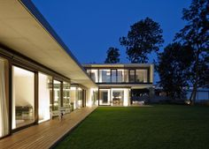 LK-Cubes-House-Patio-Design-by-Dietrich-Untertrifaller-Architekten-in-Hard-Austria