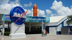 Datos prácticos para la visita al Kennedy Space Center en Florida. Vídeo del Kennedy Space Center y lanzamiento de un cohete en directo.