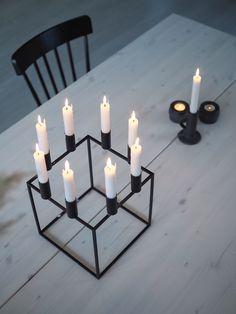 Spisebord - DIY | HVITELINJER : HVITELINJER Exterior Design, Interior And Exterior, Kitchen Interior, Diy And Crafts, Candle Holders, Candles, Living Room, Frame, House
