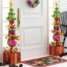 Adorable 48 Amazing Hanging Ornament Ideas To Add Enliven Christmas Day Christmas Topiary, Whoville Christmas, Whimsical Christmas, Noel Christmas, Outdoor Christmas Decorations, Christmas Projects, Winter Christmas, All Things Christmas, Christmas Wreaths