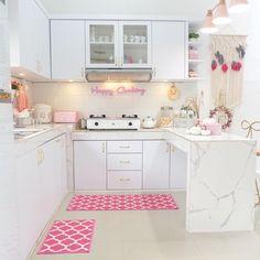 New Kitchen Interior, Kitchen Room Design, Outdoor Kitchen Design, Home Room Design, Kitchen Sets, Kitchen Layout, Home Decor Kitchen, Home Interior Design, Space Saving Dining Table