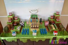 "Photo 17 of 34: Minecraft Birthday Party / Birthday ""Colin's 9th Birthday"" | Catch My Party"