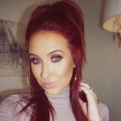 Beautiful look by the always stunning Jaclyn Hill using Makeup Geek's Grandstand foiled eyeshadow.