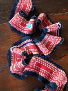 Vintage Hmong Hemp Textile Cross Stitch par KutchiKooTribe sur Etsy