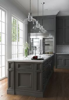 grey kitchen designs Many have started to wonder: are grey kitchen cabinets going out of style? Grey has remained a staple color in kitchen interior design for decades, but some wo Grey Kitchen Cabinets, Kitchen Cabinet Design, Interior Design Kitchen, Kitchen Grey, Kitchen Island, Neutral Kitchen, Kitchen Colors, Kitchen Countertops, American Kitchen Design