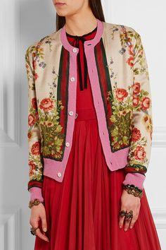 Soie multicolore, laine mélangée rose  Fermeture boutonnée sur le devant  Tissu 1 : 100 % soie ; tissu 2 : 70 % laine, 30 % cachemire  Nettoyage à sec  Fabriqué en Italie