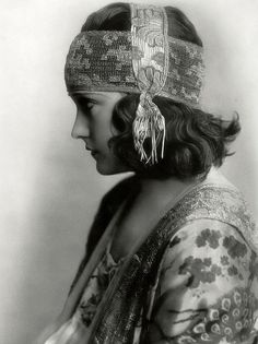 D.I.Y.Headpiece inspiration....; a very young, gorgeous Gloria-Swanson-1920