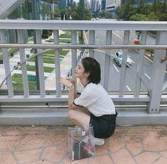 How eunha and how eunha and murat found me 😂 when stuck on the roof Ulzzang Couple, Ulzzang Girl, Cute Korean, Korean Girl, Korean Style, Teen Web, Lee Joo Young, Teen Images, Web Drama