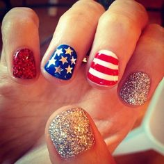 perfect 4th of July nails.