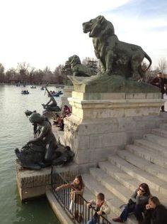 Estanque Parque del Retiro Madrid Spain