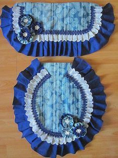 Cómo hacer juego de baño, forros tapa tanque y tapa poceta Doll Sewing Patterns, Crochet Flower Patterns, Crochet Doilies, Crochet Flowers, Bathroom Crafts, Bathroom Sets, Dit Gifts, Sewing Projects, Projects To Try