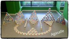 Taller de experimentación con material reciclado Reggio, Ideas Para, Montessori, Holiday Decor, Pattern, Diy, Home Decor, Heuristic Play, Early Education