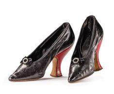 Louboutin Pumps, Christian Louboutin, Ladies Boutique, Shoe Boots, Shoes, Kitten Heels, Lady, Fashion, Moda