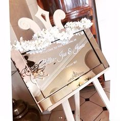 :: HELLO BEAUTIFUL! :: A VINYL WELCOME SIGN PERFECT FOR MIRRORS, PLEXIGLASS, GLASS OR ACRYLICS SURFACES :: A Mirror Welcome Sign is such a pretty thing to treat yourself and your guests to. Everyone likes to check themselves out before meeting other people at a special event ;) Not