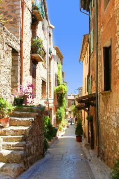 Villages in South of France Oh The Places You'll Go, Places To Visit, Beautiful Sites, Exotic Places, European Destination, Rhone, What A Wonderful World, South Of France, Travel Bugs