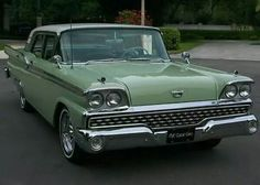 1959 Ford Galaxie Town Sedan