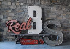 Custom Lettering | sideshow sign & co.