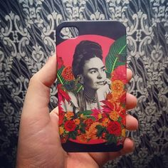 first time i see  my artwork on an iPhone case. ❤ #myartwork #fridakahlo #collage #iphone #illustration #collagists #art #illustrator #flowers #pattern