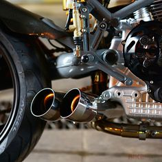 Cafe racer Bobber Speed and lyfestyle for moto Ducati Cafe Racer, Cafe Bike, Cafe Racers, Cafe Racer Motorcycle, Motorcycle Exhaust, Women Motorcycle, Motorcycle Quotes, Motorcycle Helmets, Ducati Motorcycles