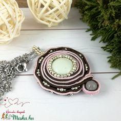 Opál fényben sujtás nyaklánc esküvő alkalmi koszorúslány örömanya násznagy ünnepi elegáns (Arindaekszerek) - Meska.hu Bracelet Watch, Opal, Bracelets, Accessories, Opals, Bracelet, Arm Bracelets, Bangle, Bangles