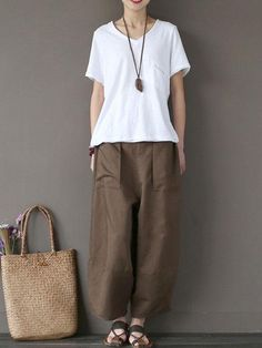 Women S Over 50 Fashion Styles 2015 Older Women Fashion, Over 50 Womens Fashion, Fashion Edgy, Fashion Hats, Stella Fashion, Comfy Travel Outfit, Discount Womens Clothing, Blouse And Skirt, One Piece Swimwear