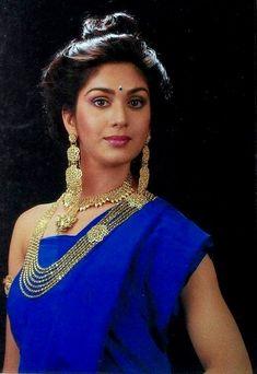 Indian Actress Pics, Beautiful Indian Actress, Indian Actresses, Indian Natural Beauty, Indian Beauty Saree, Actress Anushka, Bollywood Actress, Bollywood Outfits, Vintage Bollywood