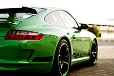 Porsche 911 GT3 RS in neon green