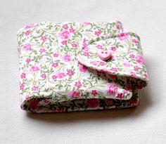 Porta batom com duas divisões em tecido 100%algodão com espelho.